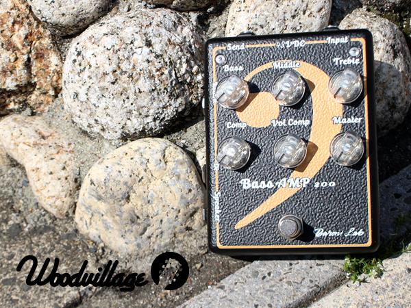 【店頭展示新品】Baroni Lab - Bass Amp 200◆フットスイッチでオンオフ可能なコンプレッサーを標準装備◆センド&リターン端子標準装備